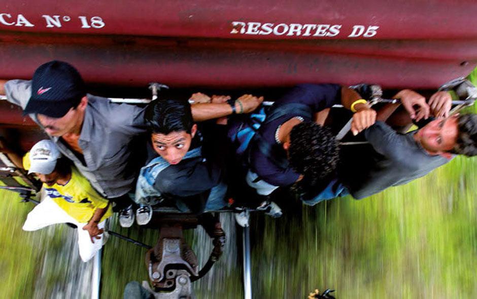 La línea – Ein aktuelles Thema mit dem gleichnamigen Jugendroman verstehen